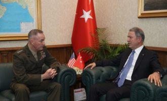 Ο Χουλουσί Ακάρ ζήτησε από τον Τζόσεφ Ντάνφορντ να φύγουν οι Κούρδοι από τη Μανμπίτζ