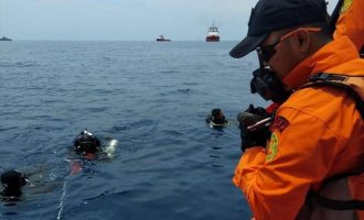 Βρέθηκε το δεύτερο μαύρο κουτί του μοιραίου Boeing που συνετρίβη στην Ινδονησία