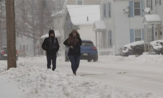 Αρκτικό ψύχος σαρώνει» τις ΗΠΑ: Πέθανε 12χρονη που καταπλακώθηκε από χιόνια