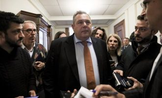 Καμμένος: «Αναβάλλλεται η συνάντηση με Τσίπρα λόγω της εμπλοκής στα Σκόπια»