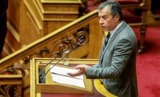 Θεοδωράκης: Θετική ψήφος στη Συμφωνία των Πρεσπών δεν σημαίνει ψήφος εμπιστοσύνης