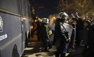 Συνελήφθη 42χρονος στη διαδήλωση έξω από το Μέγαρο Μουσικής Θεσσαλονίκης