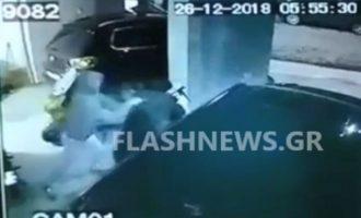 Άγνωστος επιτέθηκε σε γυναίκα τη στιγμή που έβγαινε από πολυκατοικία