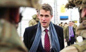 Βρετανός αξιωματούχος ανεβάζει το στρατιωτικό «θερμόμετρο»: «Θανάσιμα πλήγματα» μετά το Brexit