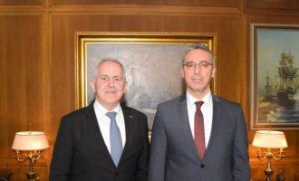Συνάντηση Αποστολάκη με τους πρεσβευτές Τουρκίας και Γερμανίας
