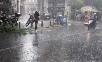 Καιρός: Βροχές και καταιγίδες την Τρίτη – Ποιες περιοχές θα πληγούν περισσότερο