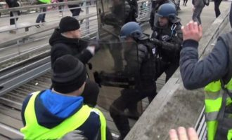 Στη φυλακή ο μποξέρ των Κίτρινων Γιλέκων που γρονθοκόπησε αστυνομικούς στο Παρίσι (βίντεο)