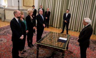 Ορκίστηκαν τα νέα μέλη της κυβέρνησης (φωτο)
