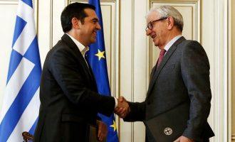 Ο Τσίπρας έβαλε «χέρι» στην τσέπη των εφοπλιστών – Τουλάχιστον 75 εκατ. ευρώ ετησίως