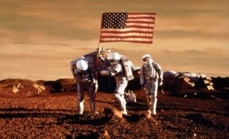 Ο Τραμπ έδωσε επιπλέον 1,6 δισ. στη NASA – Θέλει αποικίες σε Φεγγάρι και Άρη