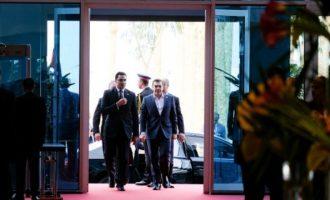 «Κάνατε εξαιρετική δουλειά τα τελευταία πέντε χρόνια» είπε ο γ.γ. του Αραβικού Συνδέσμου στον Τσίπρα