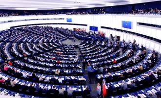 Καταργείται το ασυμβίβαστο βουλευτή – υποψήφιου ευρωβουλευτή