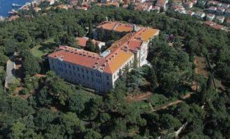Μητροπολίτης Ελπιδοφόρος: «Πολύ ρεαλιστικό» να επαναλειτουργήσει η Θεολογική Σχολή της Χάλκης