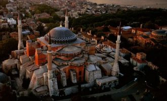 Ερντογάν: Θα διαβαστεί προσευχή στην Αγία Σοφία για την Άλωση