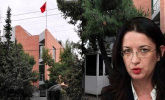 Απολύθηκε όλη η Αλβανική Πρεσβεία στην Αθήνα μαζί και η πρέσβειρα