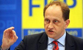 Λάμπσντορφ: «Έχουν δίκιο οι Αμερικανοί που θεωρούν τη Γερμανία αναξιόπιστη»