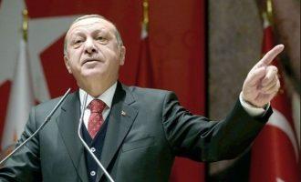 Έντρομος ο Ερντογάν μπροστά στη νέα πτώση της λίρας απείλησε όσους αγοράζουν ξένο συνάλλαγμα