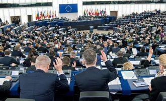Ερώτηση στην Κομισιόν για την υπαγωγή ΕΡΤ, ΑΜΠΕ και Γ.Γ. Ενημέρωσης στον Μητσοτάκη