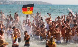 Η Γερμανία σκοπεύει να άρει στις 15 Ιουνίου την απαγόρευση για τουριστικά ταξίδια