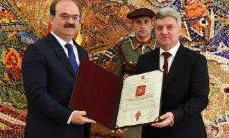 Βόρεια Μακεδονία: Ο Ιβανόφ τίμησε τους Τούρκους με τη «Χάρτα της Μακεδονίας»