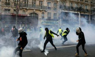 Γαλλία: Στους δρόμους 40.000 «κίτρινα γιλέκα» – Επεισόδια και 233 συλλήψεις
