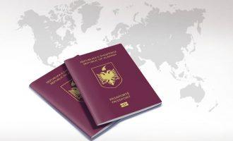 Έκλεψαν από την Αλβανίδα πρέσβειρα 100 διαβατήρια στο κέντρο της Αθήνας – Την έδιωξε ο Ράμα