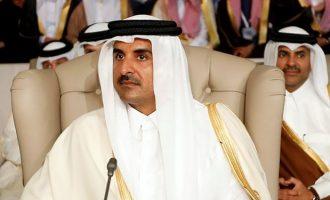 Ο Εμίρης του Κατάρ αποχώρησε από τον Αραβικό Σύνδεσμο