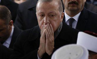 Ο Ερντογάν θρηνεί για τον θάνατο του Μόρσι και κατηγορεί τους «τυράννους» της Αιγύπτου
