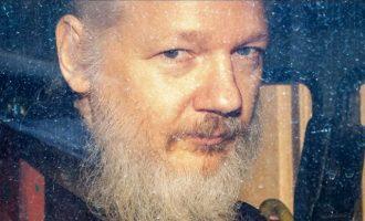 Η Σουηδία απέσυρε τις κατηγορίες για βιασμό στον Τζούλιαν Ασάνζ