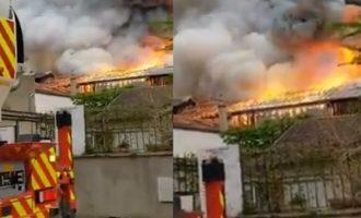 Μεγάλη φωτιά στις Βερσαλλίες στη Γαλλία