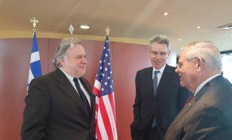 Συνάντηση Κατρούγκαλου-Μενέντεζ: Ευθυγραμμισμένα τα συμφέροντα ΗΠΑ-Ελλάδας στην Αν. Μεσόγειο