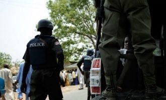 Αστυνομικός στη Νιγηρία παρέσυρε και σκότωσε παιδιά γιατί του έκλειναν το δρόμο