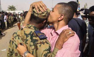 Ο στρατός του Σουδάν προσπαθεί να καθησυχάσει τους πολίτες