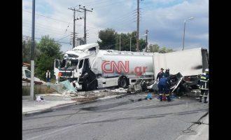 Τροχαίο με βυτιοφόρο στη λεωφόρο Κορωπίου-Μαρκοπούλου