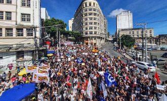 Στους δρόμους οι φοιτητές στη Βραζιλία – Διαδήλωσαν κατά του Μπολσονάρου
