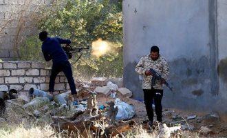 Σφοδρές μάχες νότια της Τρίπολης μεταξύ Λίβυων πατριωτών (LNA) και τουρκόφιλων ισλαμιστών (ΚΕΕ)