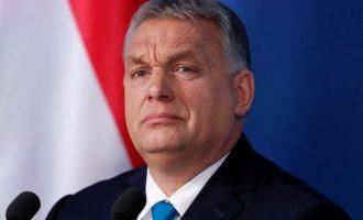Βίκτορ Όρμπαν: «Οι Βρυξέλλες ασχολούνται μαζί μας ενώ θα έπρεπε να ασχολούνται με τον ιό»