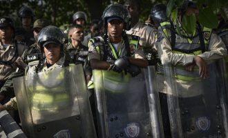 23 κρατούμενοι νεκροί μετά από συγκρούσεις με την αστυνομία στη Βενεζουέλα