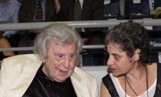 Μαργαρίτα Θεοδωράκη: «Ο μπαμπάς μου δεν θέλει να πεθάνει – Πλέον δεν νιώθει δυνατός»
