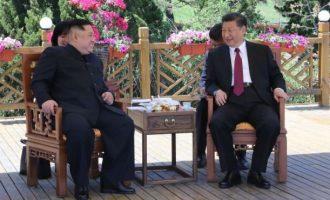 Ο πρόεδρος της Κίνας στη Βόρεια Κορέα