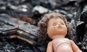 Πυροσβέστες βρήκαν κούκλα στο γρασίδι και νόμιζαν ότι ήταν νεκρό βρέφος