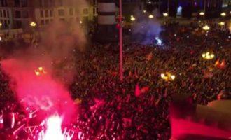 Φίλαθλοι στα Σκόπια φώναζαν το σύνθημα «Ποτέ Βόρεια – Μόνο Μακεδονία»