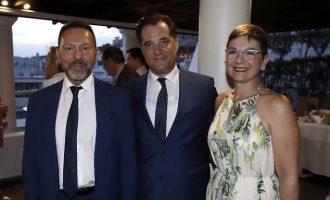Ασυγκράτητος ο Στουρνάρας – Πήγε σε προεκλογική ομιλία του Άδωνι