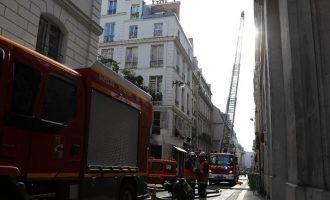 Παρίσι: Τρεις νεκροί από πυρκαγιά σε εξαώροφο κτήριο