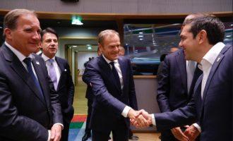 Με «στοχευμένα μέτρα» (κυρώσεις) προειδοποιεί η ΕΕ την Τουρκία