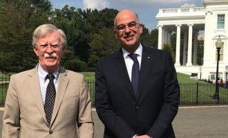 Ο Δένδιας συνάντησε τον Τζον Μπόλτον στο Λευκό Οίκο