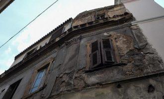 Ποια κτήρια κατεδαφίζονται στην Αθήνα μετά τον σεισμό
