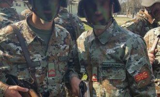 Στη Βόρεια Μακεδονία ποινές σε όσους στρατιώτες αρνούνται να φέρουν στολές με το νέο όνομα