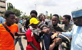 Επεισόδια μεταξύ αστυνομικών και διαδηλωτών έξω από τη Βουλή της Νιγηρίας