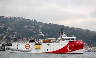Η Τουρκία στέλνει το «Ορούτς Ρέι» για έρευνες στην ελληνική ΑΟΖ νότια του Καστελόριζου